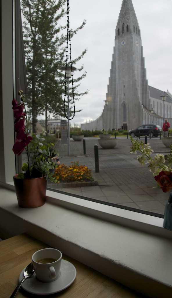 Cafe in front of Hallgrímskirkja Church