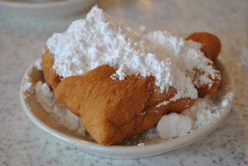 Beignets in Cafe du Monde
