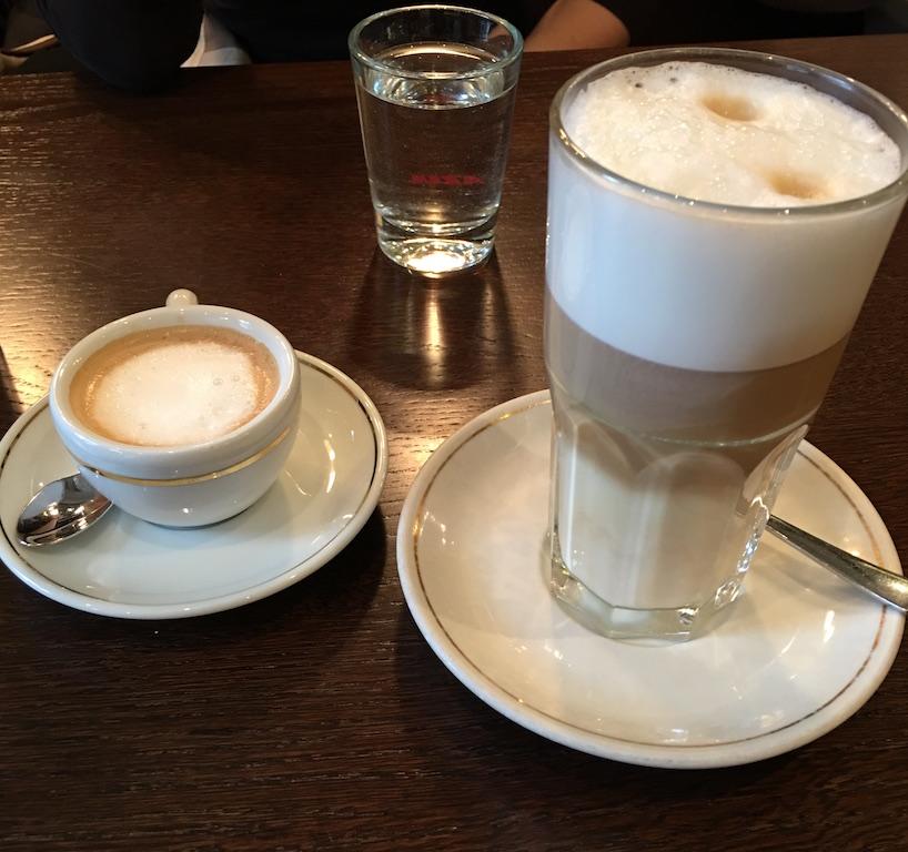 Espresso macchiato and latte macchiato